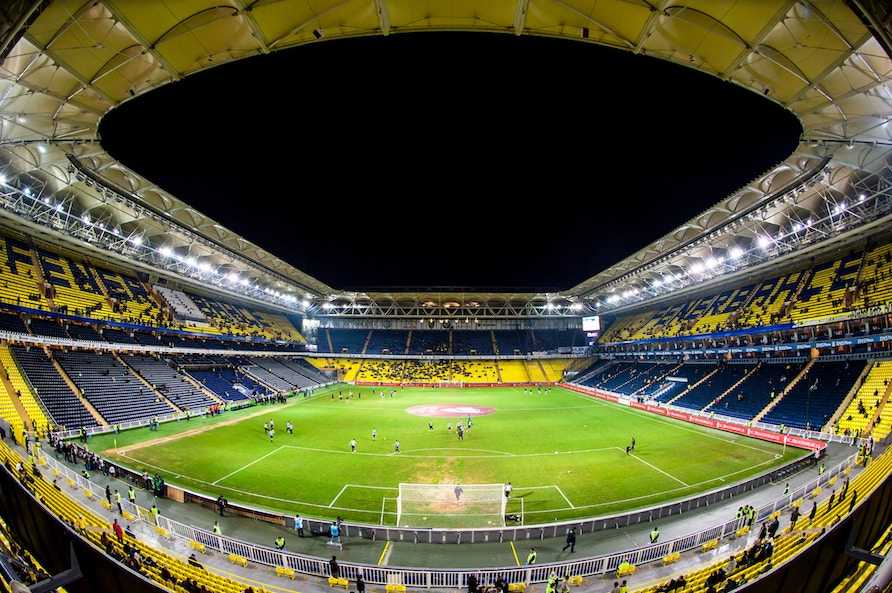 6 stadiums in Europe for football fans to tour